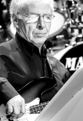Guitare Basse - Robert Navarro